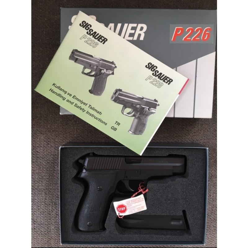 SIG SAUER P226 sıfır orijinal kutusunda