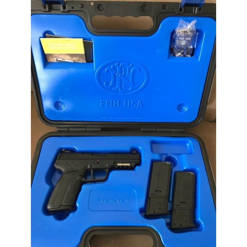 FN 5.7 ( Five-Seven)