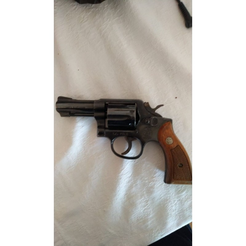 ✓ Smith & wesson 38 cal.
