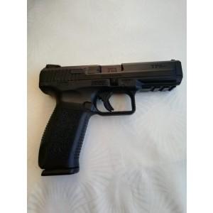 Emekli polisten kutusunda silah